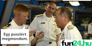 Kapitány! Van egy buzi a hajón!