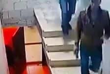Hogy lehet így leesni egy lépcsőről? :)